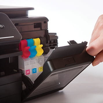 Otevřená přihrádka pro inkoustové kazety
