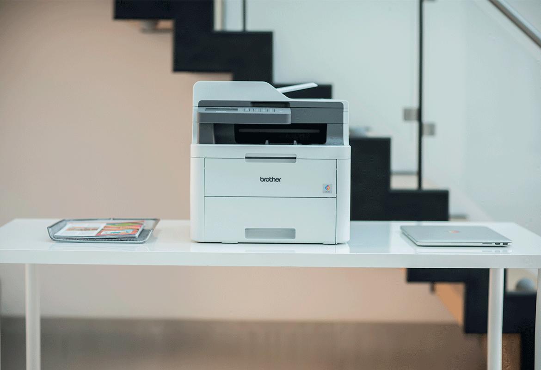 Laserová tiskárna Brother v kancelářském prostředí