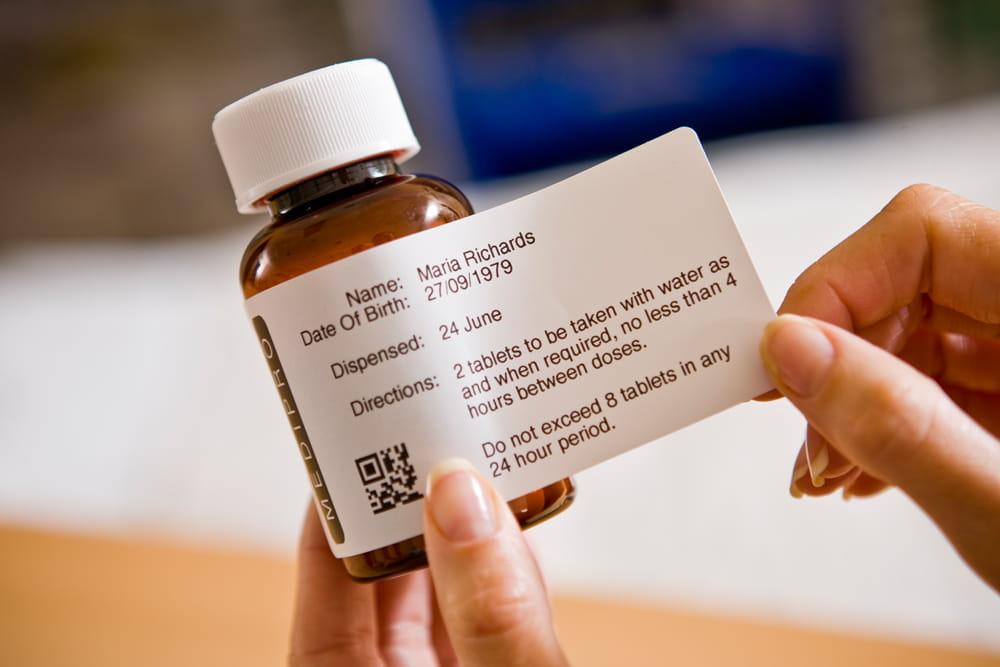 TD4 lahvička léků v lékarně