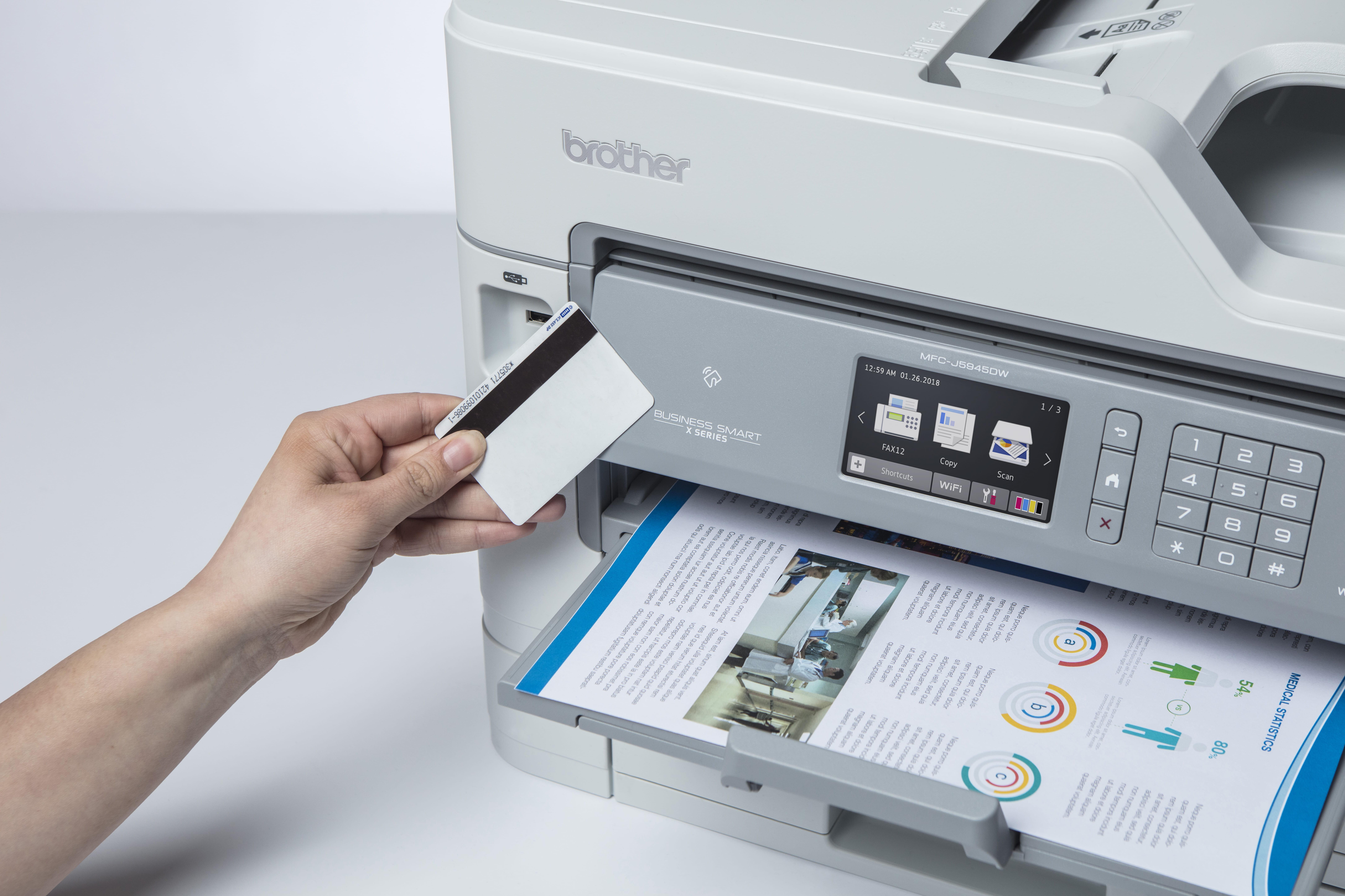 Barevná multifunkční inkoustová tiskárny MFC-J5945DW a identifikační karta