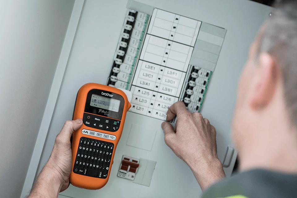 PT-E110VP tiskárna štítků pro elektrikáře 6