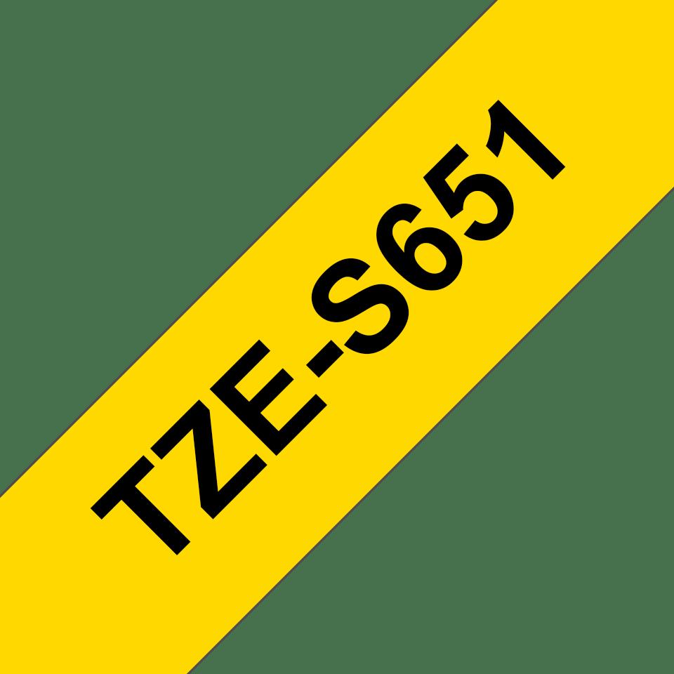 Originální kazeta s páskou Brother TZe-S651 - černý tisk na žluté, šířka 24 mm